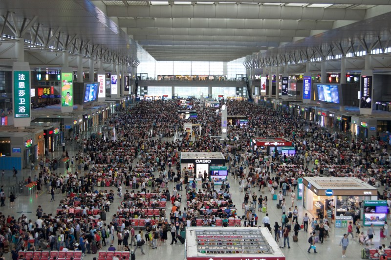 SO MANY PEOPLE in the Shanghai train station.