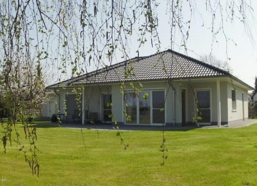 2011-04-18-Sss-026-HausGarten.jpg