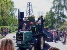 2011-05-01 LüchowBöselBuerbeerfest 167 BP-Wagen+MAN