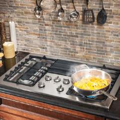 Kitchen Cooktops White Faucet How To Choose The Best Cooktop Or Stovetop Buyer S Guide Gas