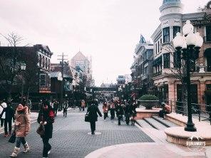 DisneySea walking path