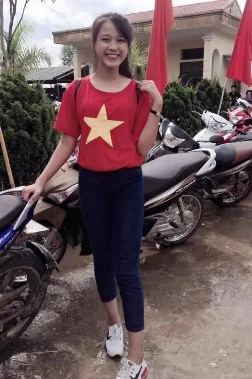 Loạt ảnh ô mai chưa từng công bố của Hoa hậu Đỗ Thị Hà: Đôi chân dài vượt trội-4