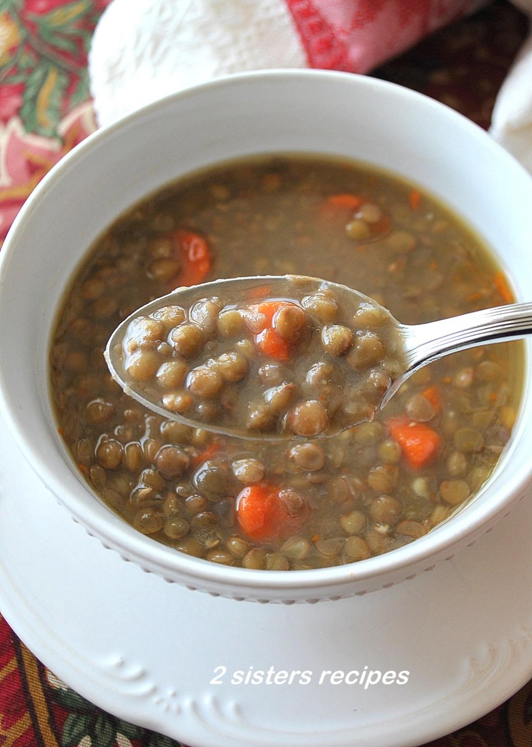 Low-Fat Lentil Soup with Veggies by 2sistersrecipes.com