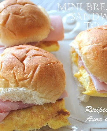 Breakfast Egg Sliders to Go! by 2sistersrecipes,com