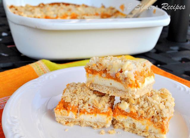 Crumbly Cheesecake Pumpkin Bars