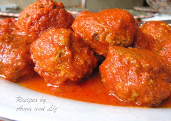 Mom's Best Sunday Meatballs by 2sistersrecipes.com