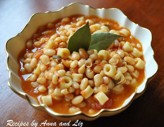 Italian White Bean Soup - Pasta e Fagioli by 2sistersrecipes.com