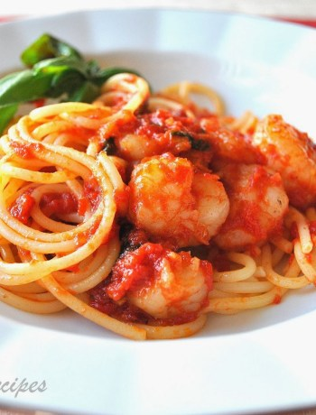 Ideas for Valentine's Day Spaghetti with Shrimp Marinara by 2sistersrecipes.com