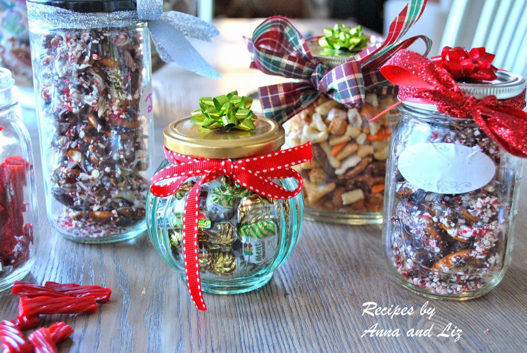 Easy Homemade Holiday Gift Ideas by 2sistersrecipes.com