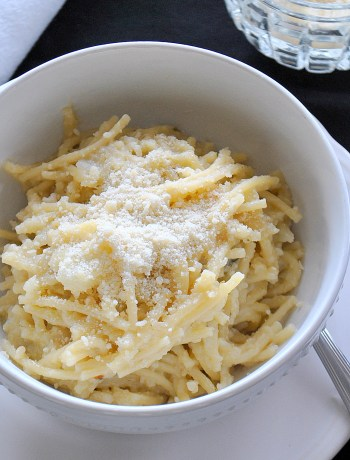 Pasta with Creamy Cauliflower by 2sistersrecipes.com