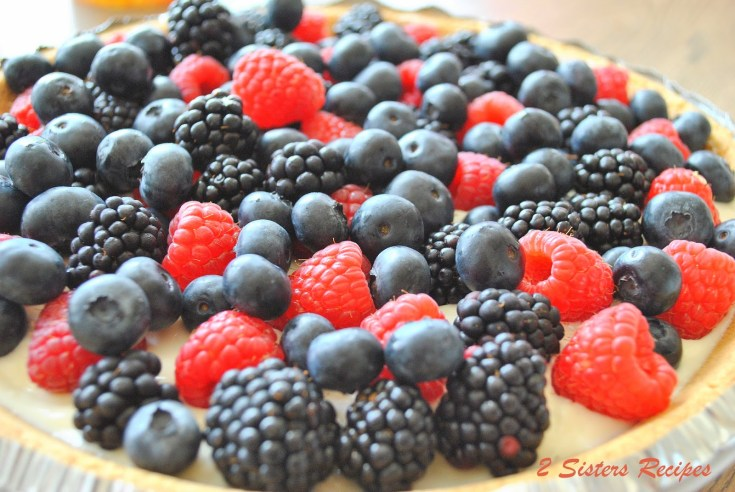 5-Minute Mixed Berry Pie