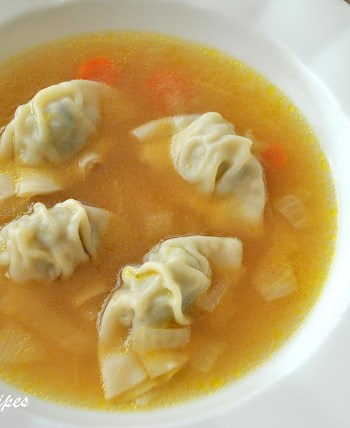 Chicken Wonton Soup, by 2sistersrecipes.com
