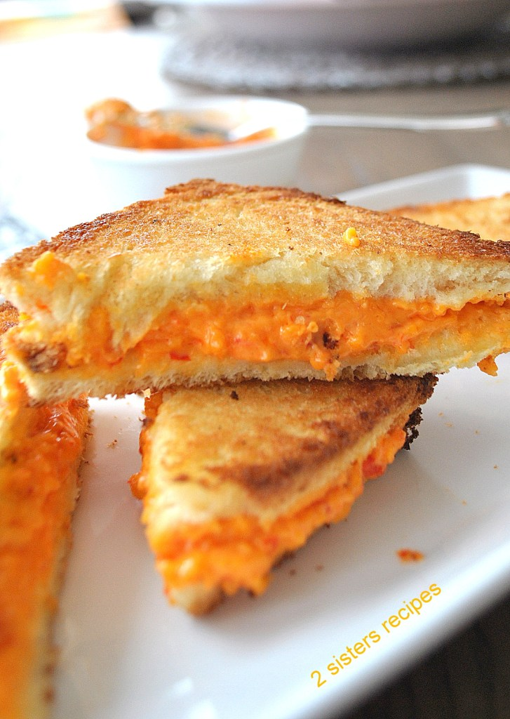 Grilled Pimento Cheese Sandwiches by 2sistersrecipes.com