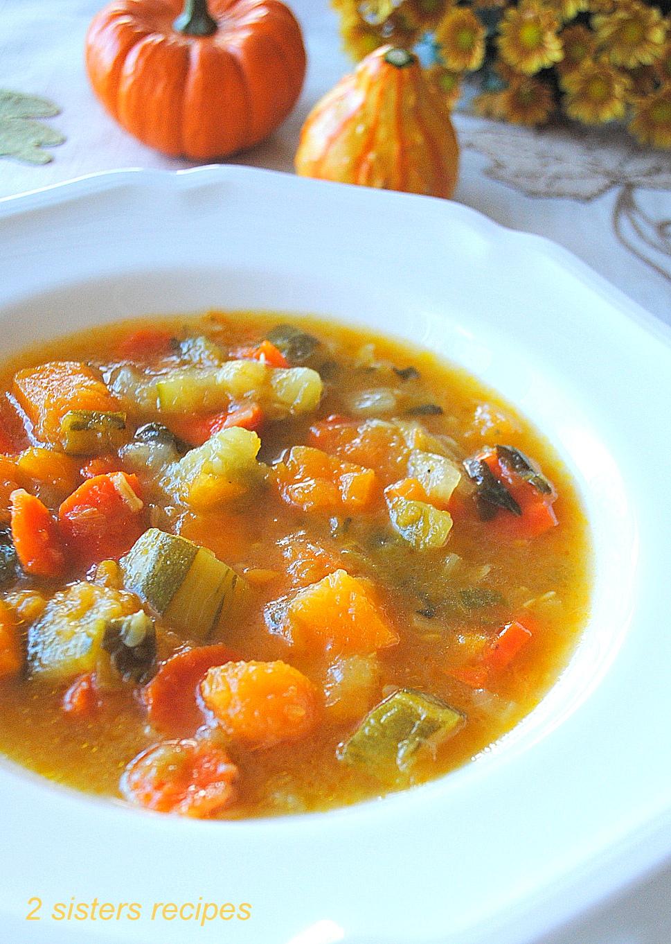 Healthy Butternut Squash Zucchini Soup by 2sistersrecieps.com