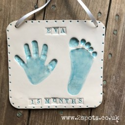 Clay Imprint in turquoise with stamped text