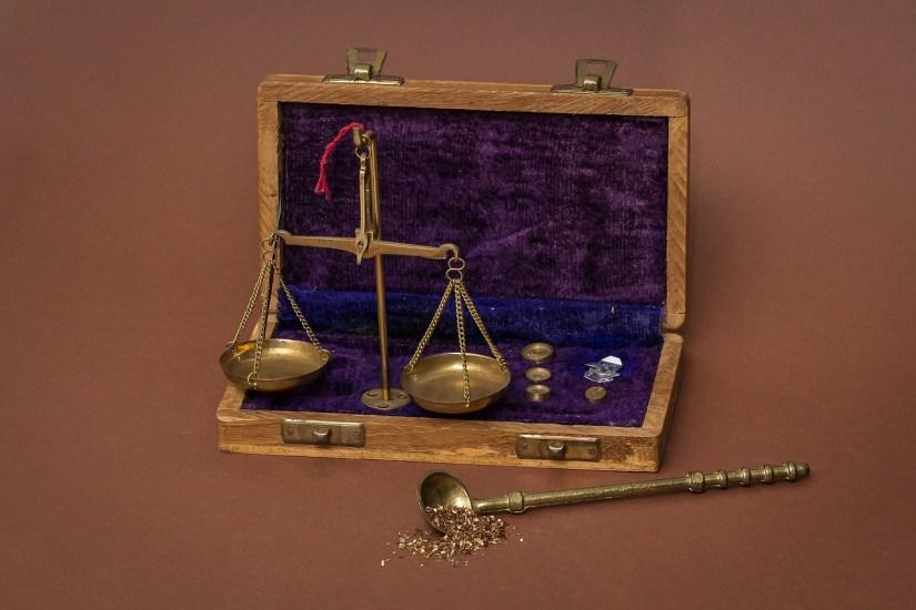 scales antique gold_maxmann