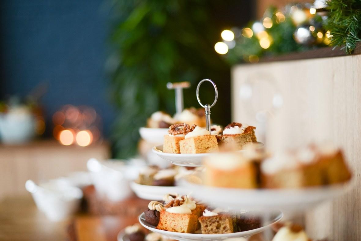 cake-tea_Skitterphoto