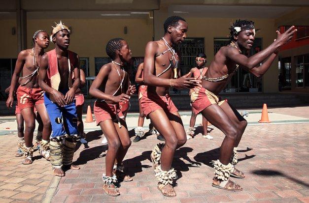 guys dancing