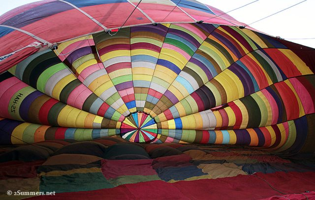 Inflating balloon later