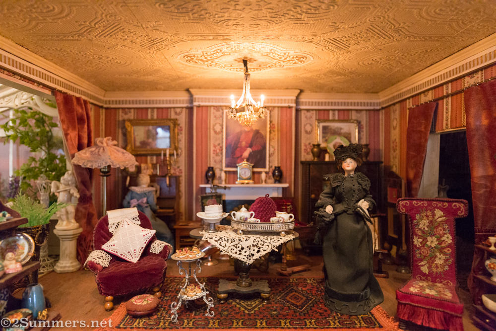 Lindfield doll house drawing room