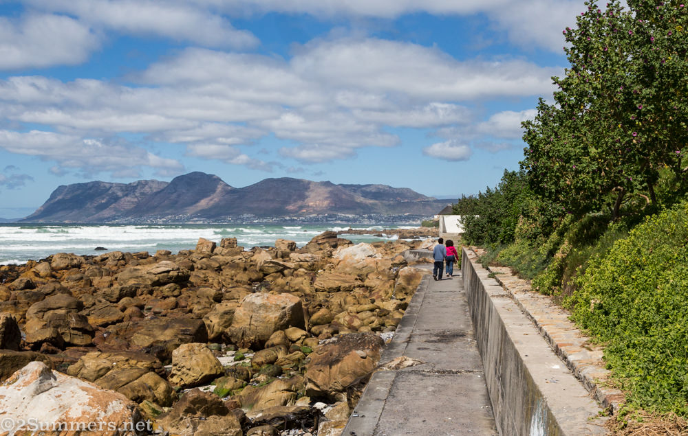 Path from Muizenberg to Kalk Bay