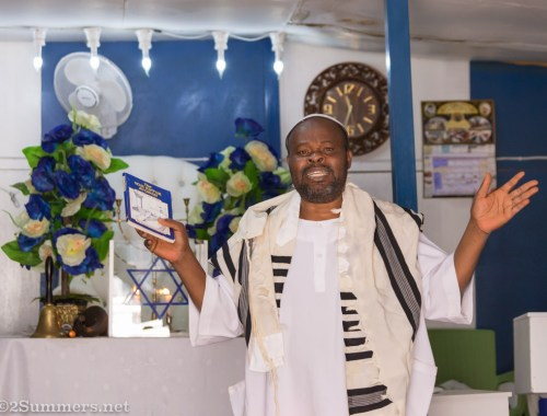 Rabbi Nathan Obiekwe at Bethel Messianic on Yom Kippur