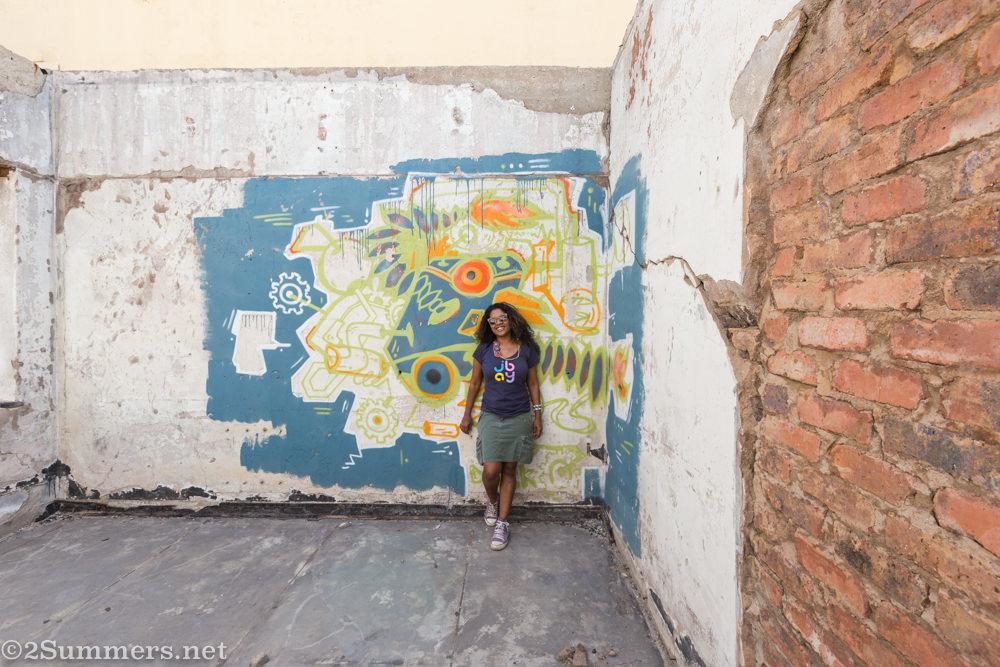 Meruschka in abandoned Tarantino's building