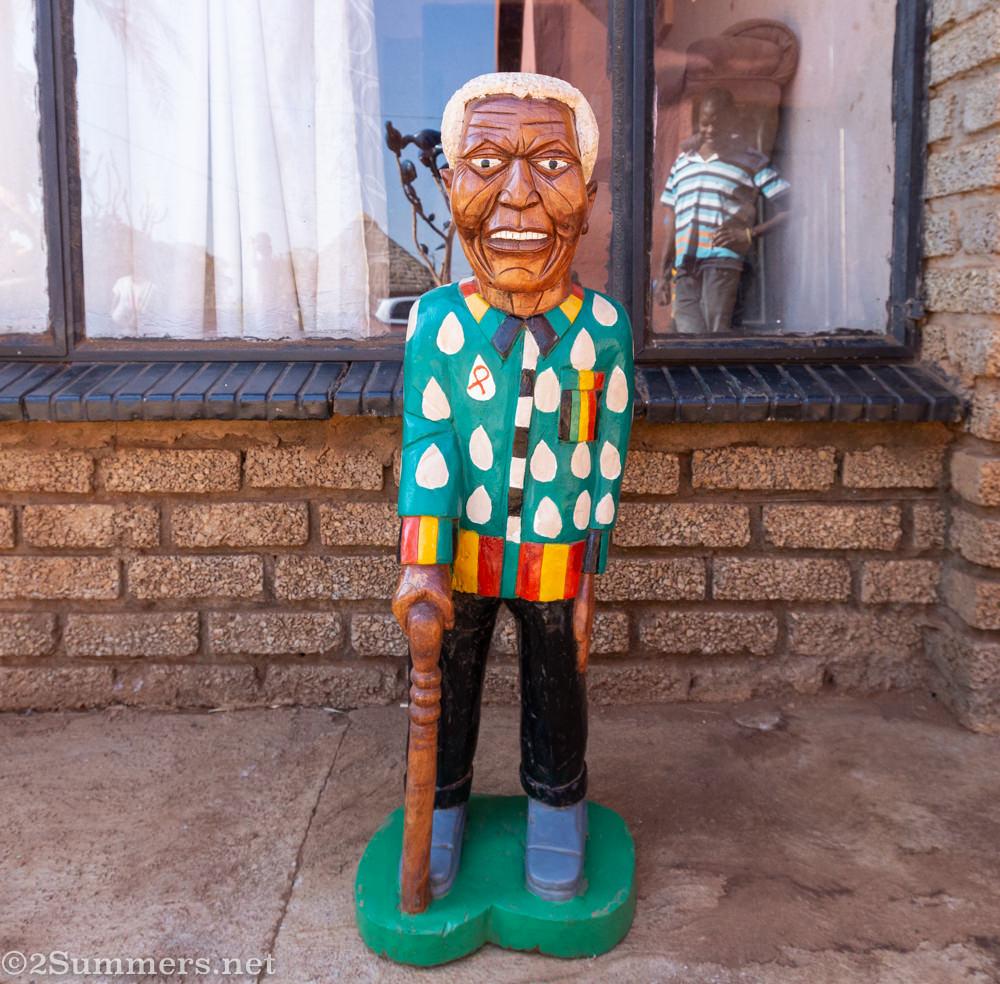 Nelson Mandela sculpture by Johannes Maswanganyi