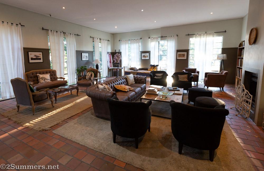 Lounge at Kings Walden