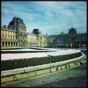 Pyramide du Louvre sous la neige, Paris, 2013
