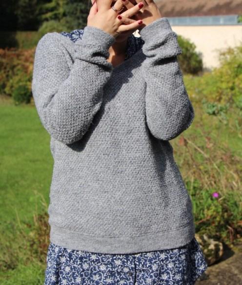 Pull & robe UNIQLO - vernis KURE BAZAAR