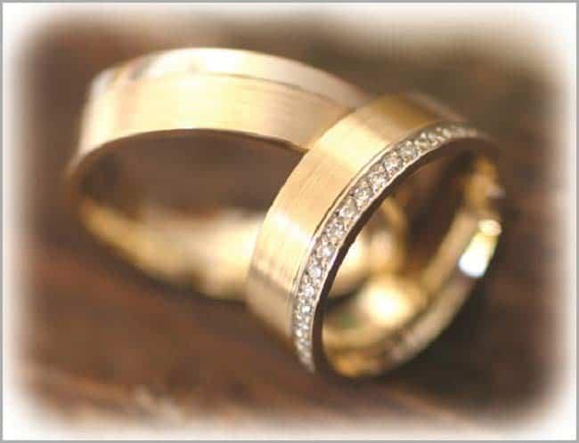 TrauringeEheringe IM267 41 Diamanten  050ct BicolorBrillantkranz mattiert  Trauringe Gold