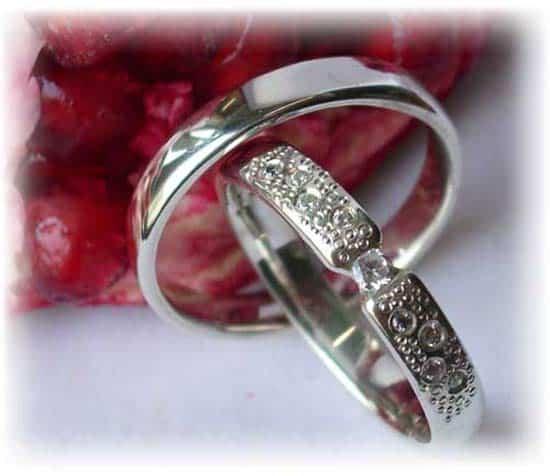 TrauringeEheringe IM245 9 Diamanten  013K Weigold oder Platin 600950 poliert  Trauringe
