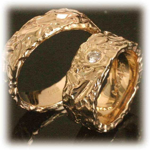 TrauringeEheringe IM213 1 Diamant 010ct Gelbgold