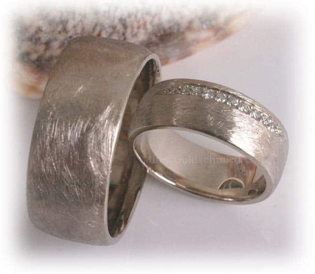 TrauringeEheringe IM338 10 Diamanten  015ct Weigold