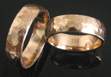 Andere Scherzfragen an der Hochzeit  Trauringe Gold
