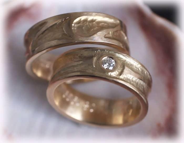 TrauringeEheringe IM325 gehmmert und ausgefallen Gelbgold Diamant
