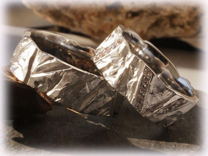 TrauringeEheringe IM113 mit Diamanten Platin Weigold gehmmert