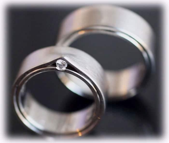 EheringeTrauringe IM400 mit 005ct Diamanten aus Platin