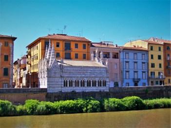 Arno River in Pisa 2