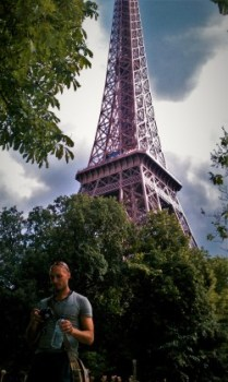 Rob Taylor Eiffel Tower 2traveldads.com