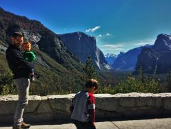 Chris Taylor and Kids at Tunnel View in Yosemite National Park 2traveldads.com