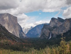 Yosemite Valley from Tunnel View in Yosemite National Park 2traveldads.com