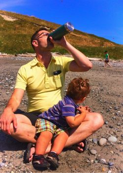 Chris Taylor and Kids using Stanley vacuum mug in Whidbey Island 2traveldads.com