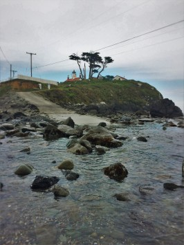 Ocean tide at Battery Point Lighthouse Crescent City 1