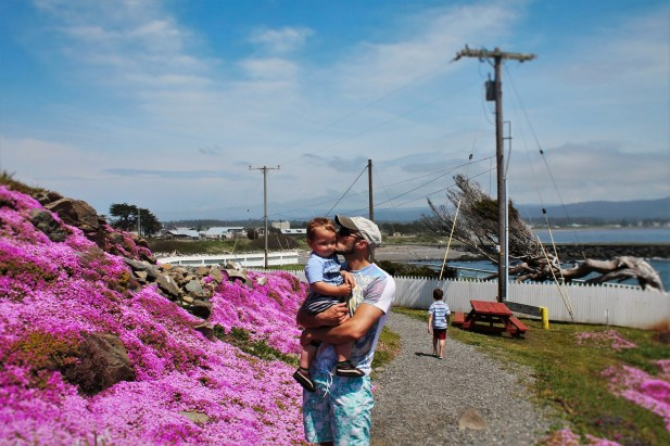 Rob Taylor and TinyMan at Battery Point Lighthouse Crescent City 2