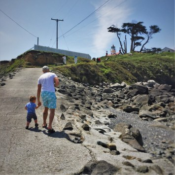 Rob Taylor and TinyMan at Battery Point Lighthouse Crescent City 8