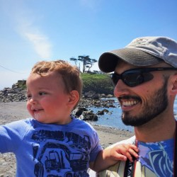 Rob Taylor and TinyMan at Battery Point Lighthouse Crescent City 9