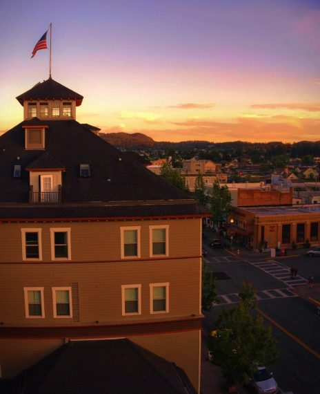 Majestic Inn Anacortes view from Rooftop bar 1e