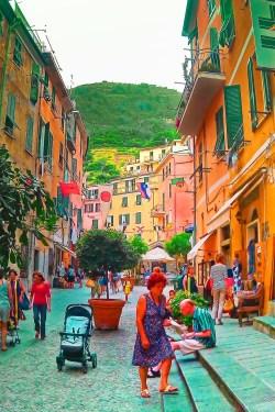 Narrow Street in Manarola Cinque Terre Italy 1e